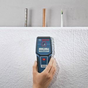 Bosch GMS 100 Professional Metallortungsgerät im Einsatz